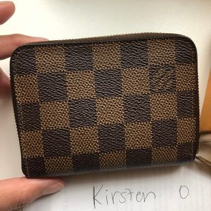 Sold Louis Vuitton zippy compact wallet de